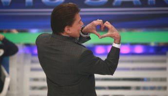 Silvio Santos coraçãozinho, mão de coração